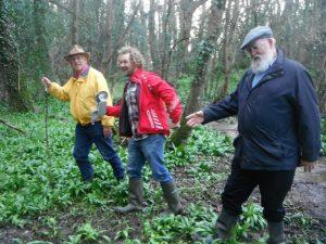 Adam Hart-Davis (Sue's husband), Jolyon Troscianko (her son) and Dan Dennett, crossing the swamp on our Memelab walk.